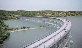 Мост через Крым: угрозы и возможности